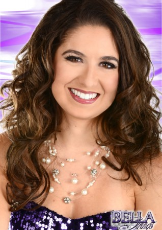Manoela headshot_purple_logo